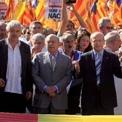Montilla con Mas y Maragall en la manifestación convocada para Montilla con Pujol y Maragall en la manifestación contra  la sentencia del TC sobre el Estatut