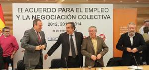 Rosell (CEOE) con Toxo (CC. OO.) y Méndez (UGT)