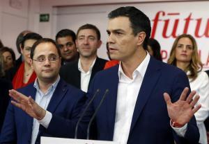 Sánchez reconoce en la noche del 20-D que al PP le corresponde formar gobierno.