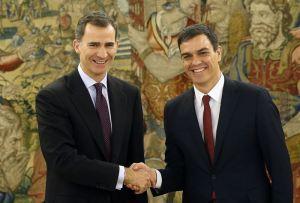 Felipe VI y Pedro Sánchez en el palacio de La Zarzuela.